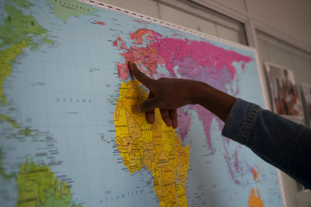 Hay mucho movimiento en esas redes, las trasladan de un país a otro. Foto Iñaki Porto.