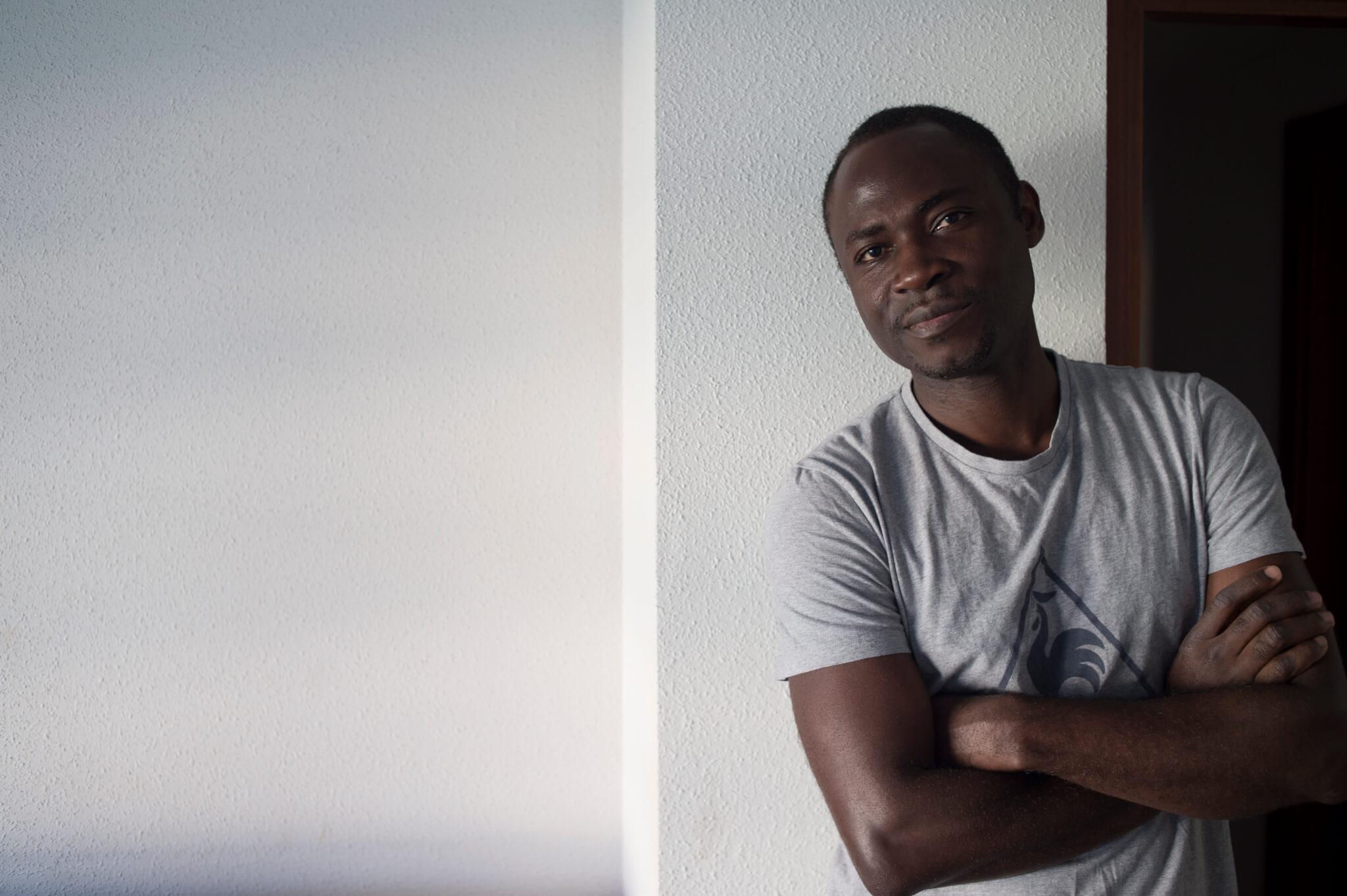Serge llegó con la promesa de un trabajo que no se cumplió. Foto Iñaki Porto.